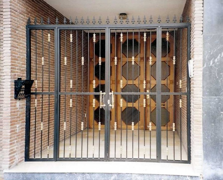Cancelas construcciones met licas cerrisan alicante cerrajer a y estructuras - Proteccion para casas ...