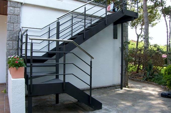 escaleras metlicas cerrisan alicante cerrajera y estructuras