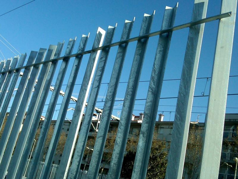 vallas y cercados construcciones metlicas cerrisan alicante cerrajera y estructuras